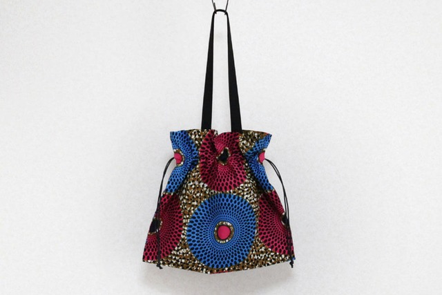 アフリカプリントの巾着バッグ|アフリカ布 / 大きめバッグ