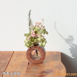 さりげなく花のある暮らしを ドライフラワー付き古材ウッド ラウンド型