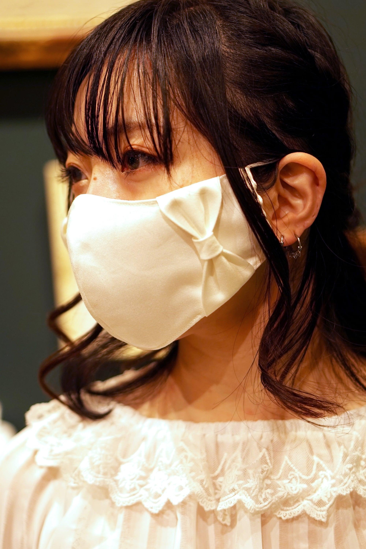 【セール】横顔美人!立体リボンマスク/オフホワイト+共布リボン