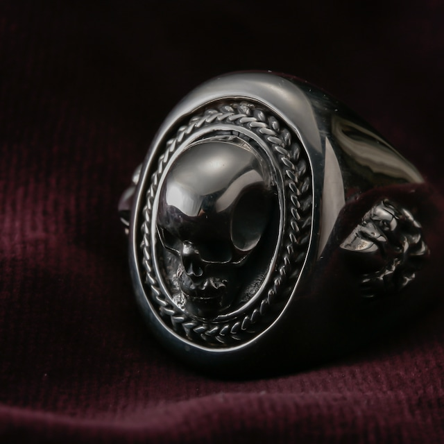 Noble Pirate Ring (skull  lily)