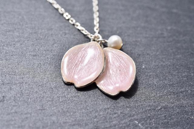 - pink petals - 桜の七宝ネックレス