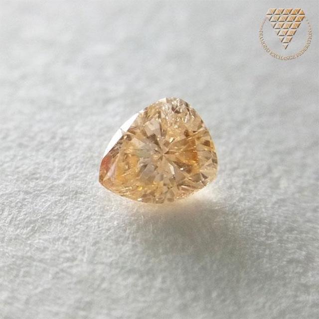 0.217 ct F. Int. Yel - Orange 天然 ダイヤモンド