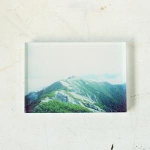 【mt.souvenir】山の透けるアクリルパネル/霧をまとう燕岳(10×7cmミニ)
