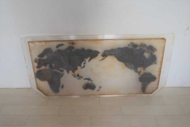 プラスチック製の世界地図