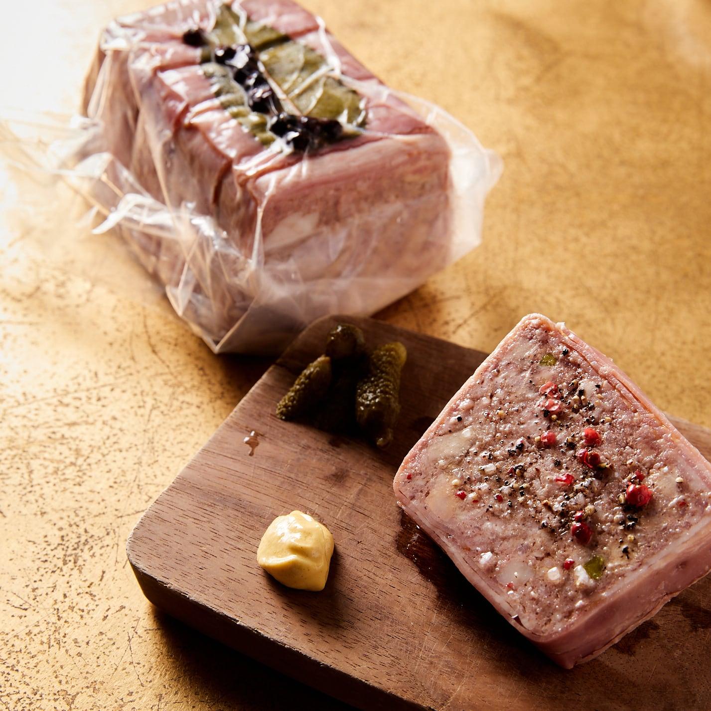 岩中豚とフォアグラ,ピスタチオのパテ ( 1/2本700g )