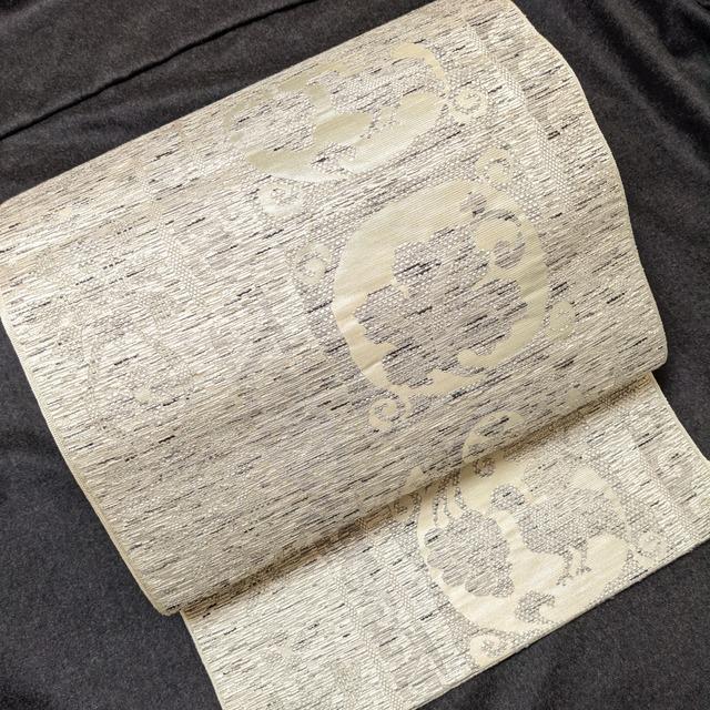 【美品】 使用感なし8寸開き名古屋帯 六通柄 ツタ葡萄&鳥 手織り風織出し 銀シャイニー