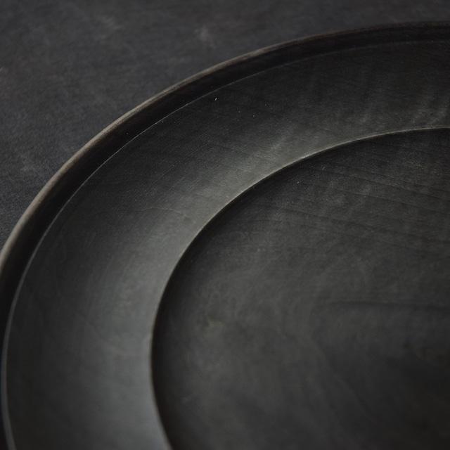 北山栄太 Eita Kitayama  メイプルリムプレート 9寸 (ザクロ草木染+鉄媒染+ガラスコーティング)