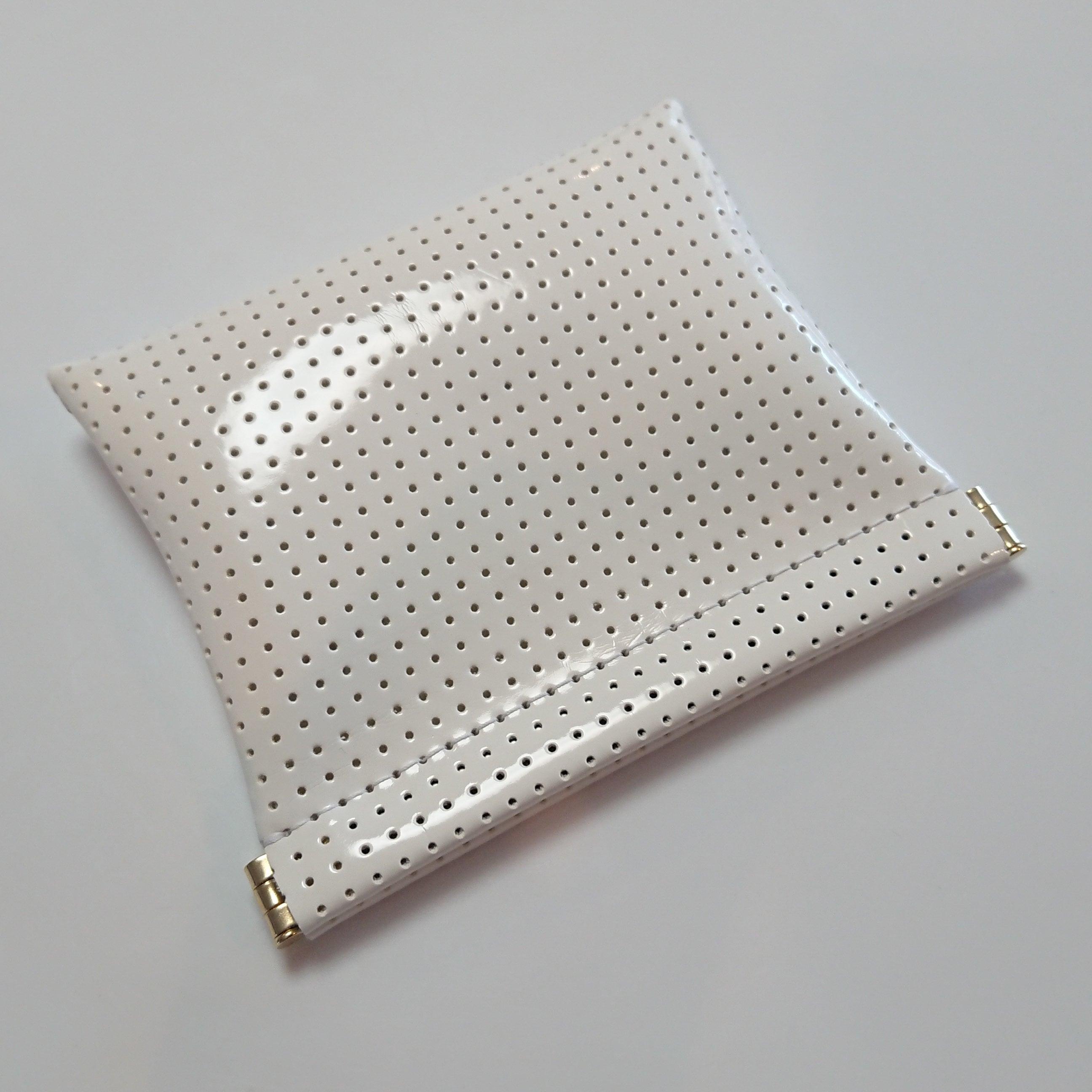 OSORO ポーチ ☆ ミルク 薄い財布 ティーケース