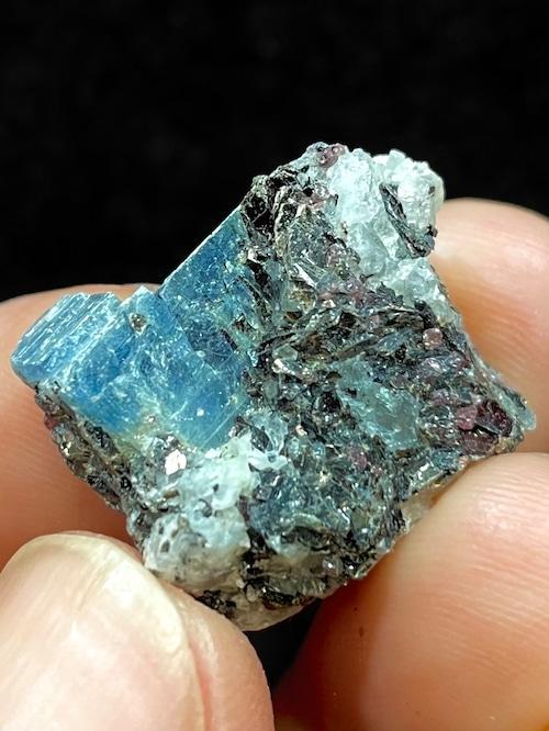 4) ロシア産カイヤナイト