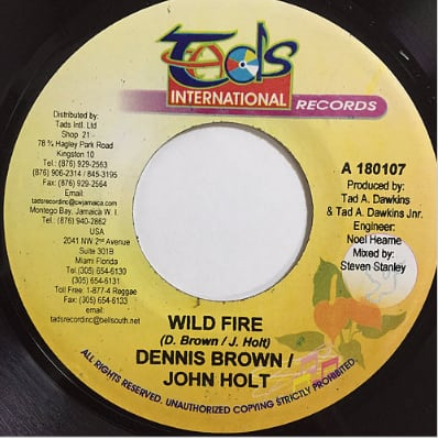 Dennis Brown(デニスブラウン), John Holt(ジョンホルト) - Wild Fire【7'】
