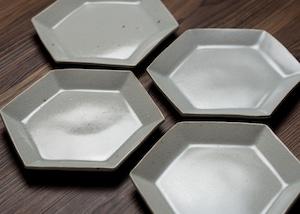 白釉 六角皿(中) 小皿 中皿 取皿/阿部 恵里
