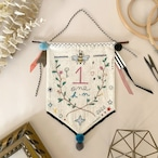 セミオーダー刺繍タペストリー