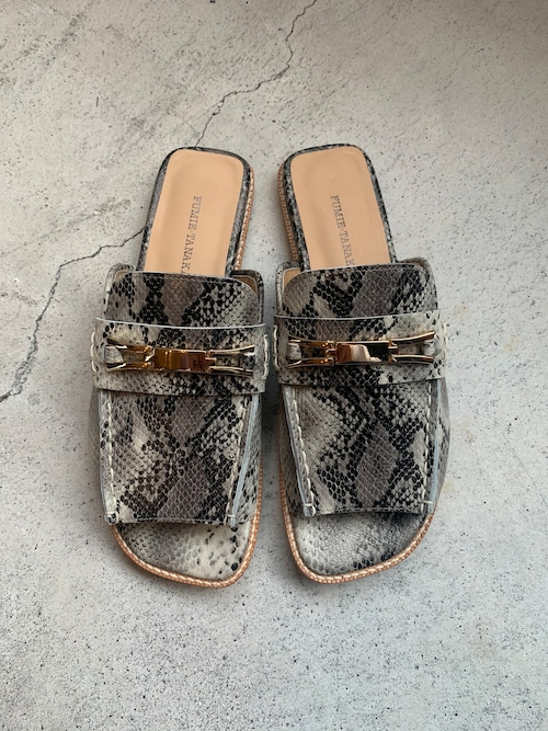 FUMIE=TANAKA bit loafer sandal  (Grey)