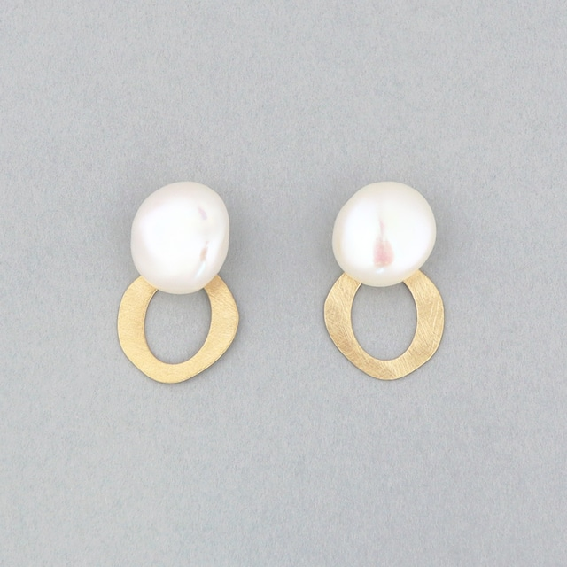Keshi pearl plate charm pierce