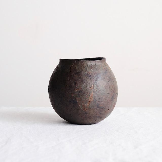高田かえ 赤黒花器 no.7