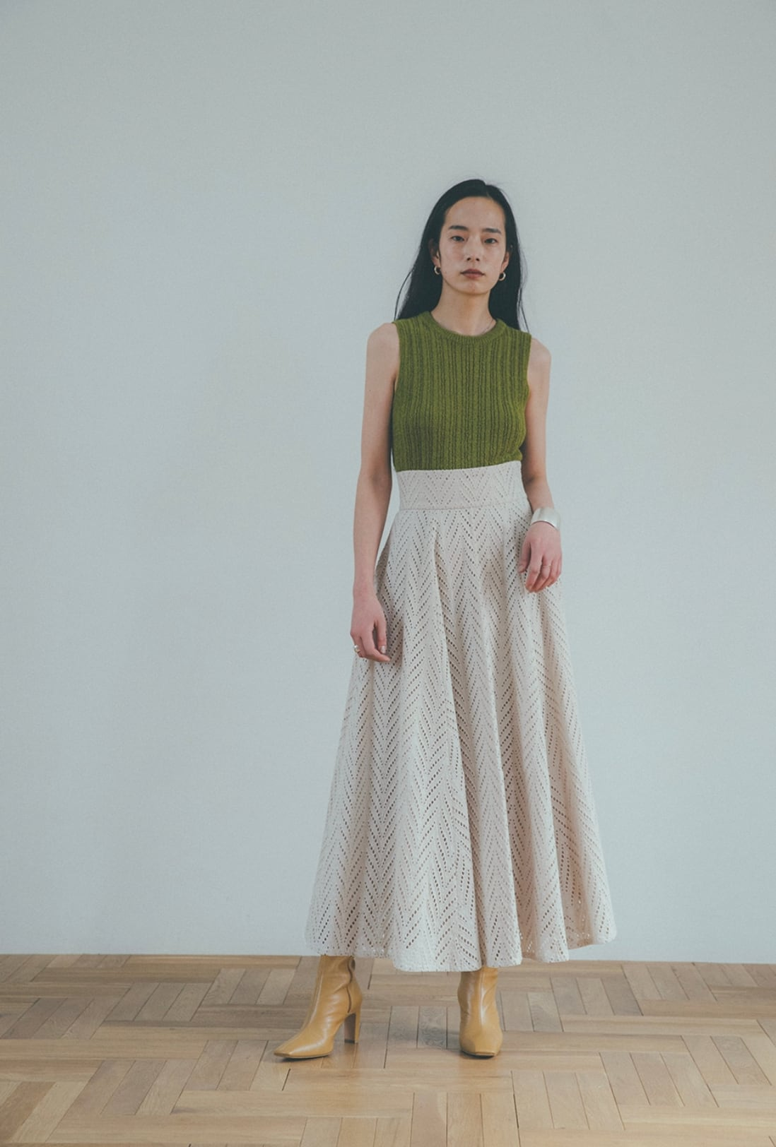 CLANE CUT EMBROIDERY FLARE SKIRT