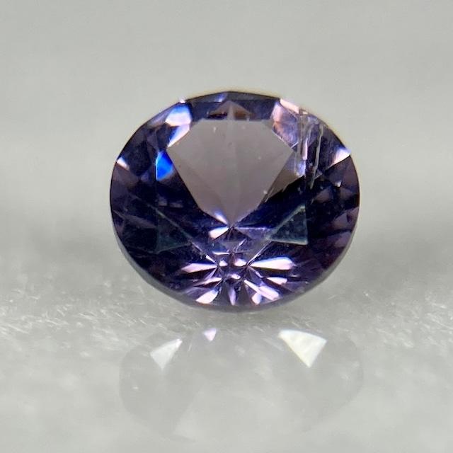 紫系 丸いスピネル 約3.4mm r-0085