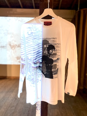 〈伊藤 潤二〉四つ辻の美少年 ロングスリーブTシャツ ホワイト