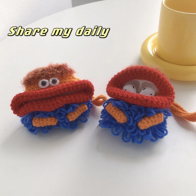 Hand-knitted sausage airpods case