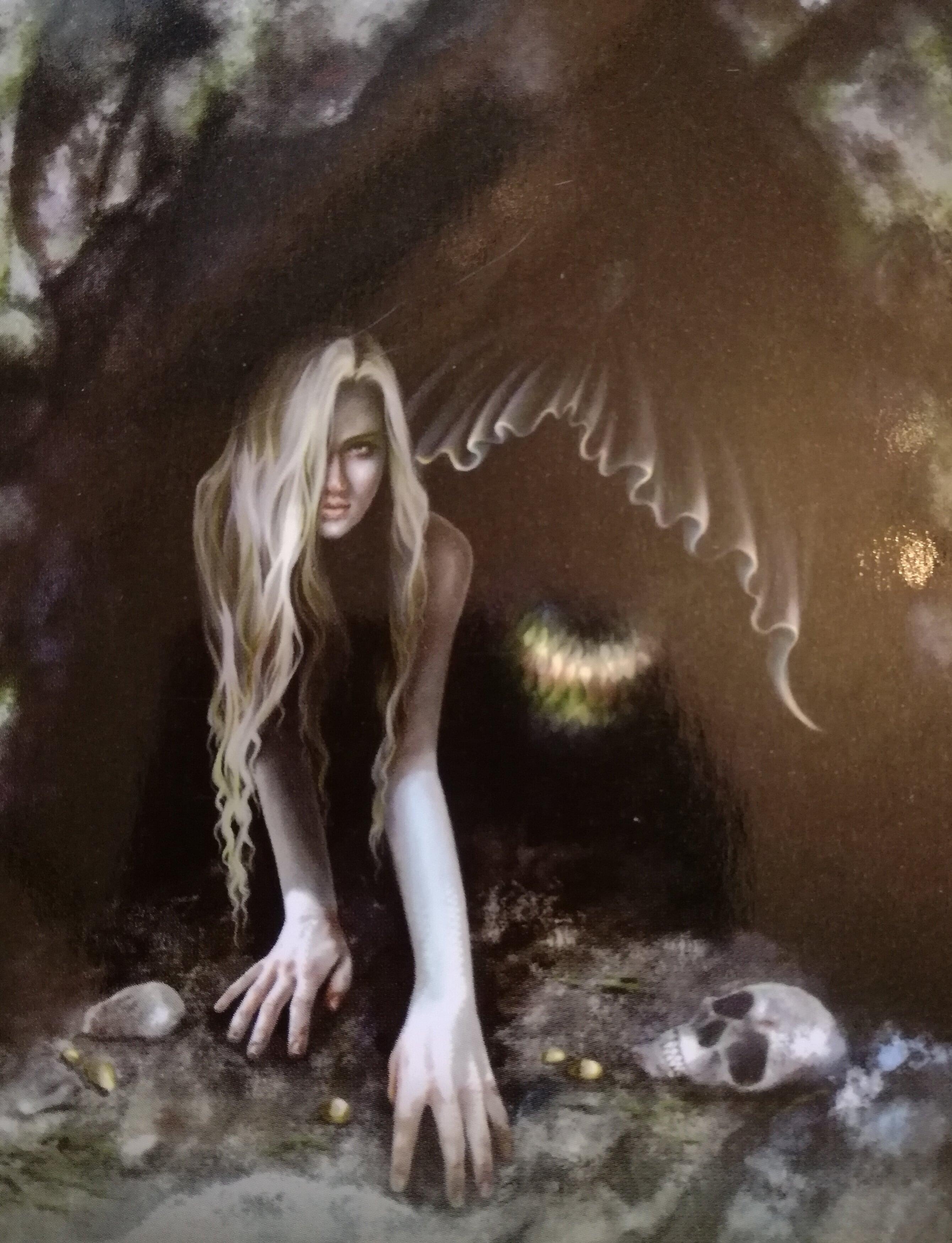 闇の向こう側「闇月」マーメイドエッセンス