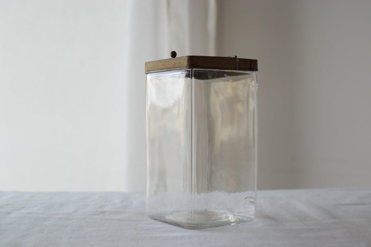 パタパタ蓋のガラス瓶