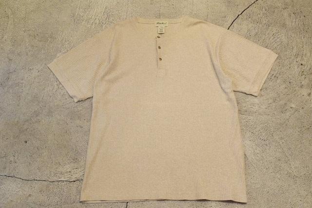 USED 90s Eddie Bauer Henry neck Tshirt -Large 0981