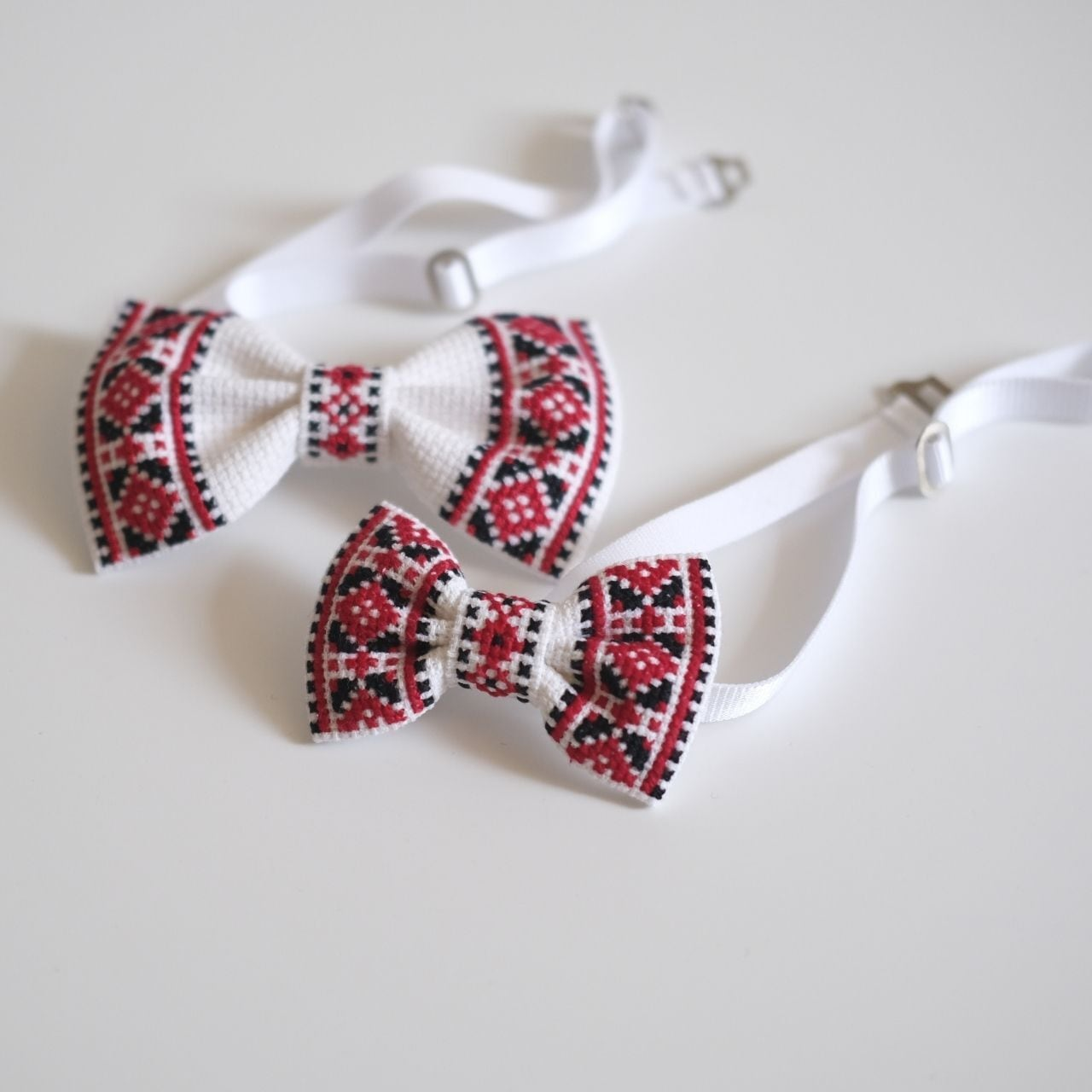刺繍の親子蝶ネクタイ【ホワイト】