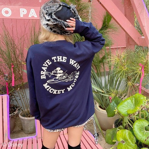 BRAVE THE WAVE <MICKEY MOUSE> sweat - Navy