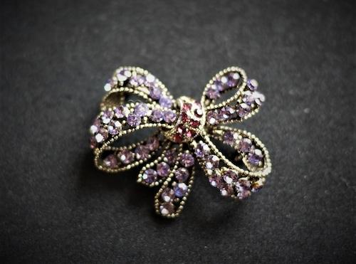 紫のリボンブローチ ROM UK