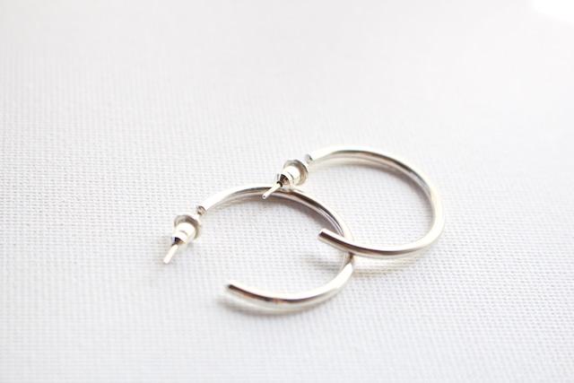 simple pierce small