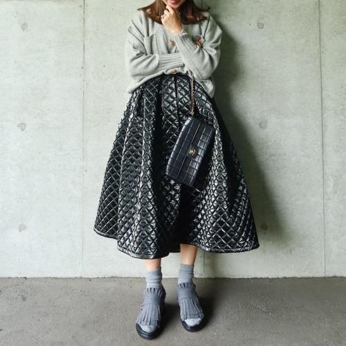 メタリックキルトスカート(ブラック)