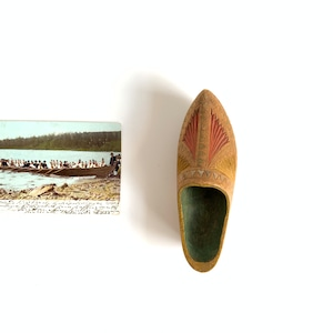 """Wooden Small Shoes & Postcard """"Midsommar"""""""