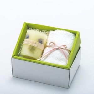 アロマキャンドル  ギフトセット/優しい色の紫陽花キャンドルとタオル