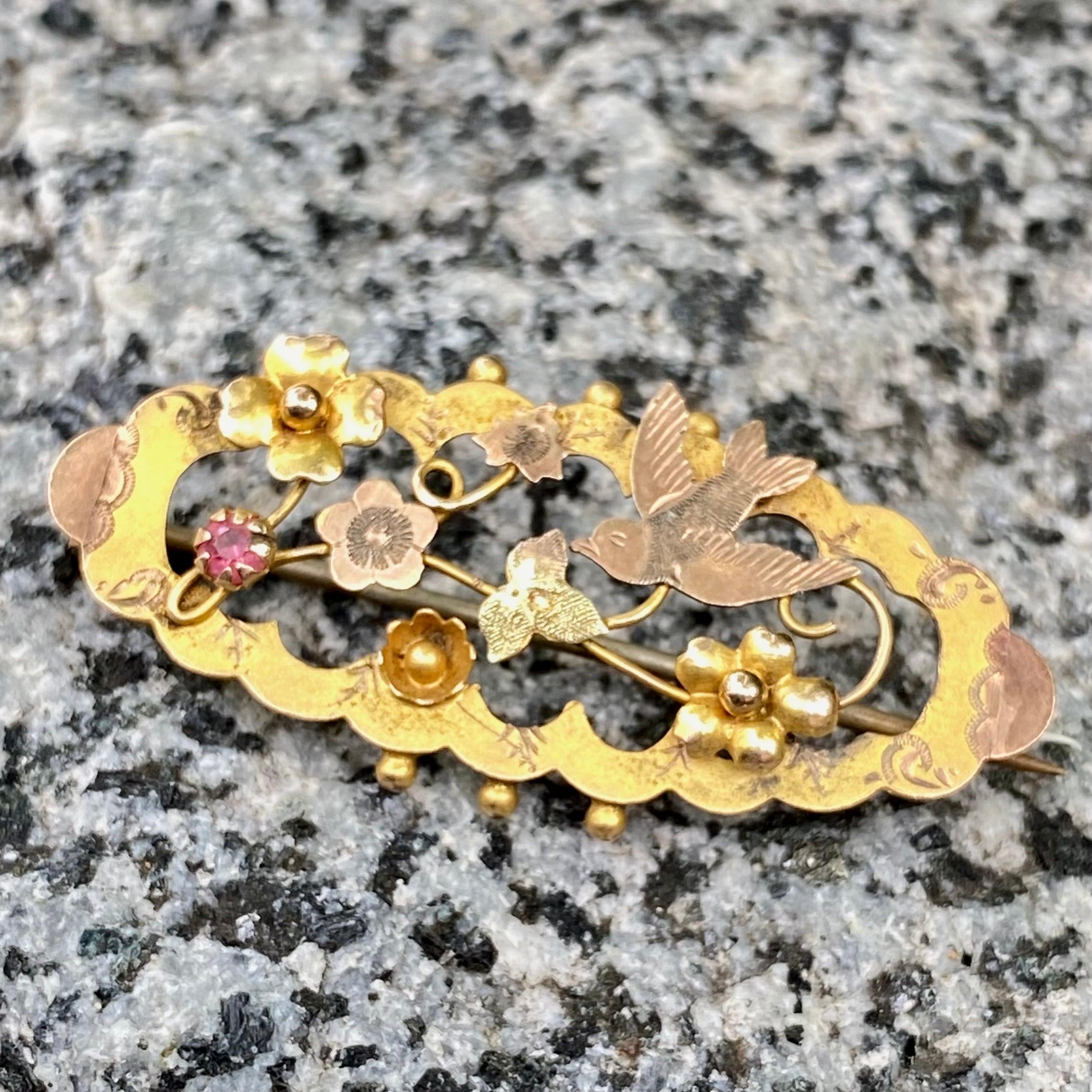 イギリス1900年前後 アンティークブローチ花とツバメ✨9金✨