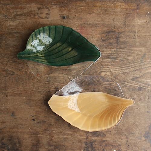 葉っぱ形 ガラス皿 2枚セット