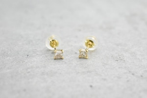 Square Diamond Pierce / K18YG