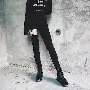 【ボトムス】透かし掘りリング付きファッションデニムパンツ42897041