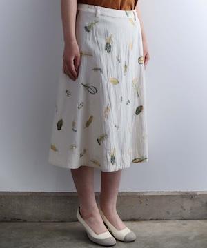 鳥の羽 刺繍のスカート (ev1401263)
