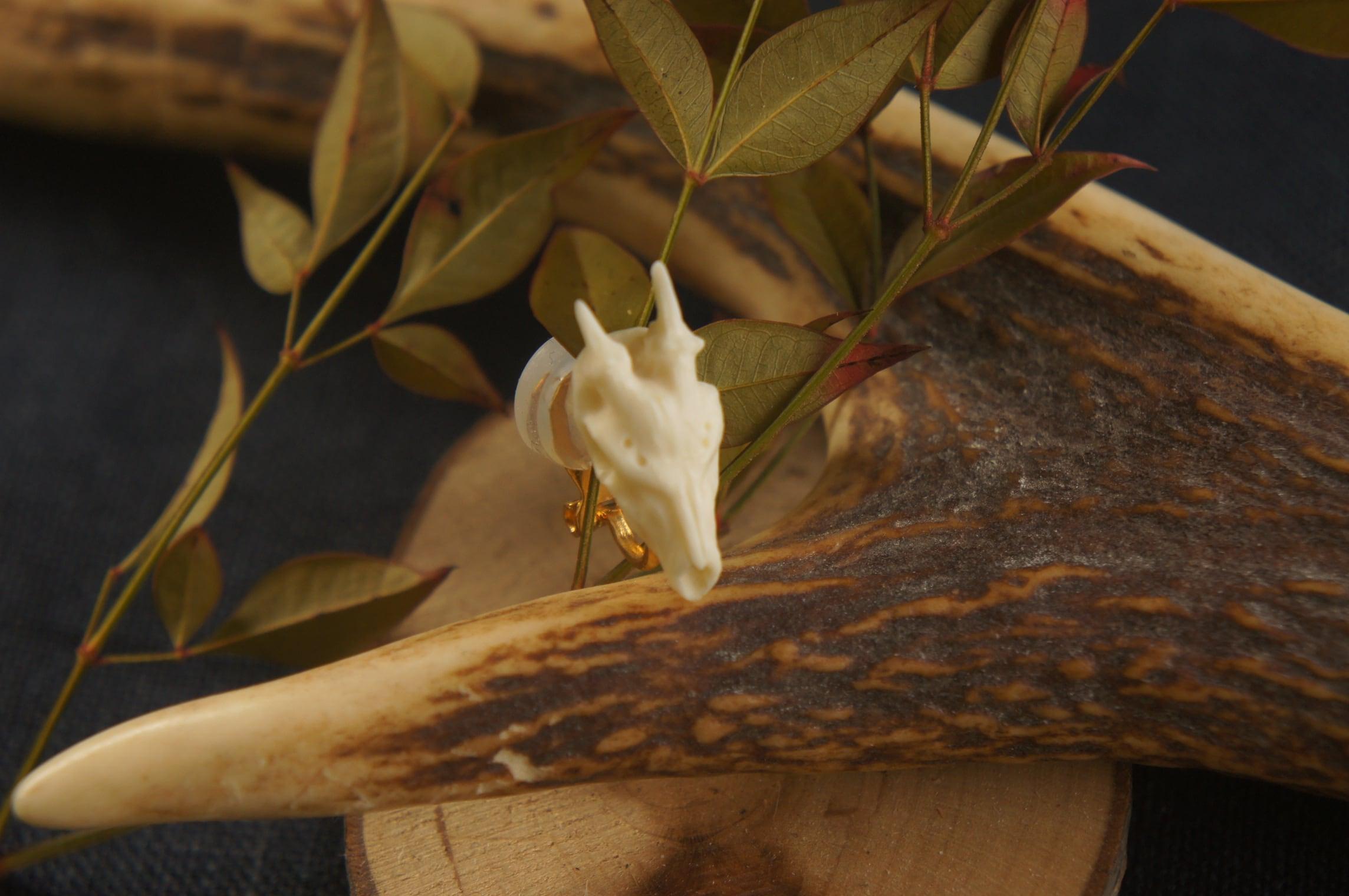 鹿角製鹿頭骨「拝」イヤリング