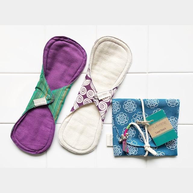 トラベルポーチ付き多い日用(防水あり)肌面:オーガニック染料使用フランネル&無漂白フランネル2枚セット/1 Travel Pouch, 2 Day pads Plus each Vibrant Organic and Natural Organic