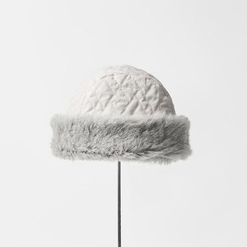 mature ha./hood cap quilting/light grey