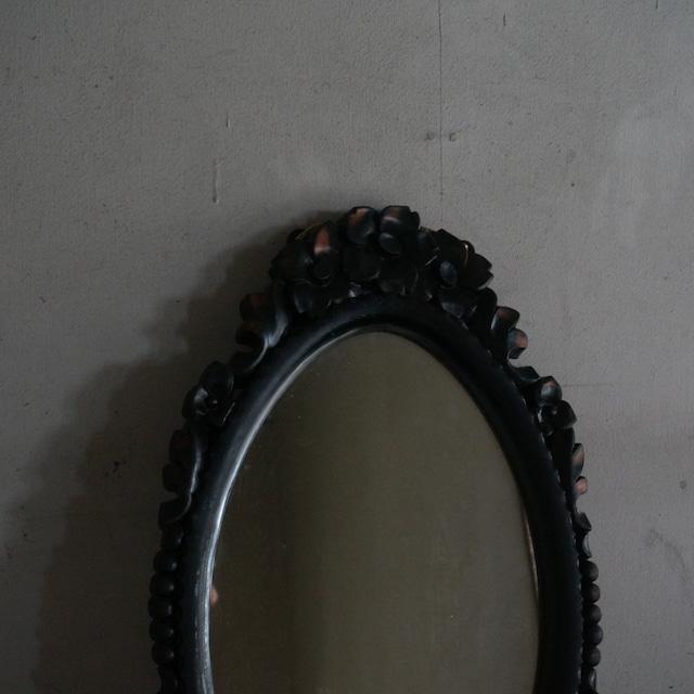 古い国産の鏡