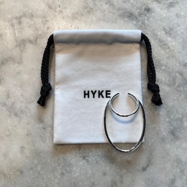 HYKE【ハイク】ELLIPSE HOOP EAR CUFF (No.19192 SILVER).