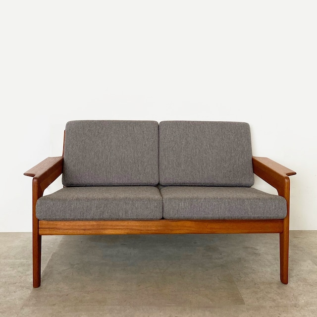 2 seater sofa by Arne Wahl Iversen for Komfort / CH032