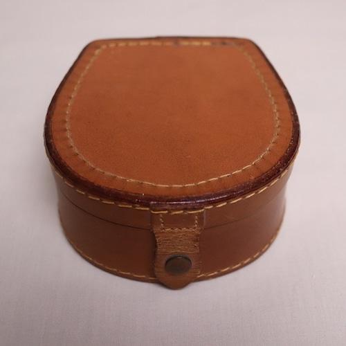 馬蹄型レザー・ボックス