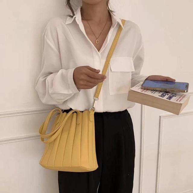Shoulder bag KRE1101