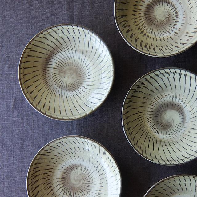 小鹿田焼 坂本工窯 - 6寸皿 - 飛び鉋 (白)