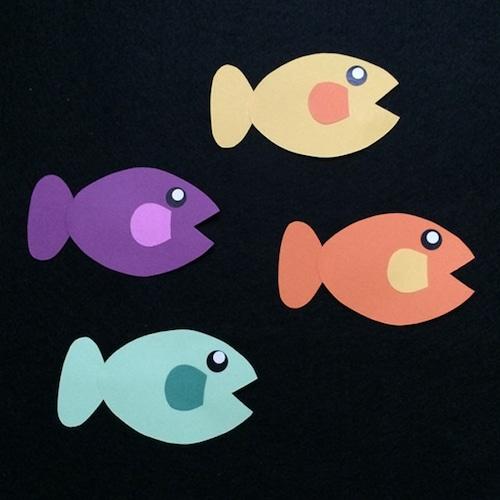 小さい魚(右向き)の壁面装飾