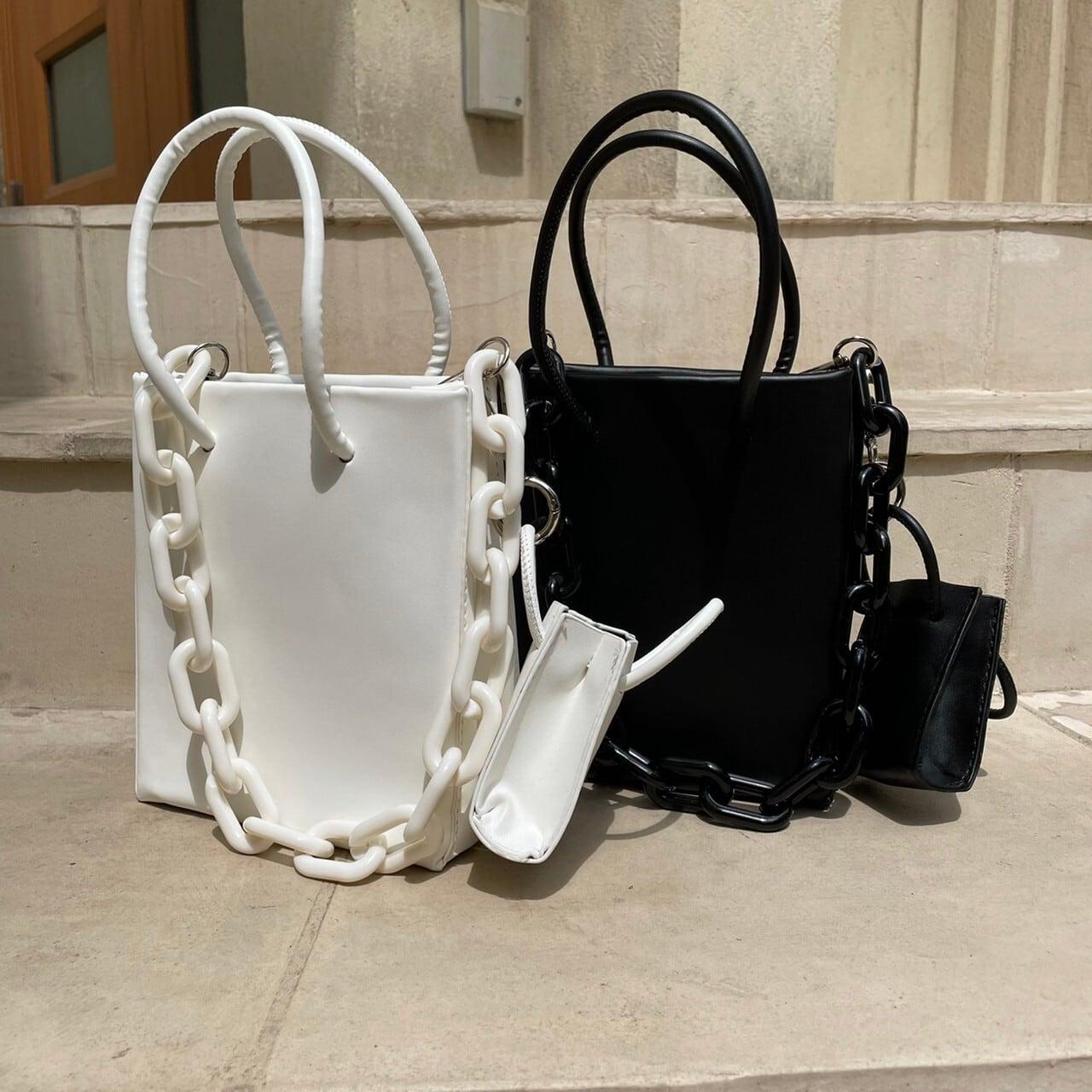 【Belle】LAST2 square chain bag / white