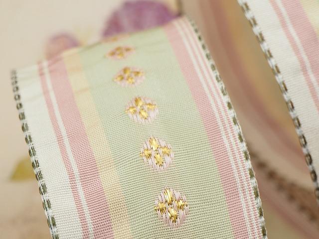 【再入荷】フランス製リボン「ミント&ピンクゴールド 花刺繍」40ミリ ワイヤー入り
